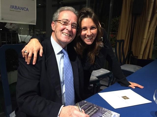 Con su hija Macarena, quién ha diseñado la cubierta.